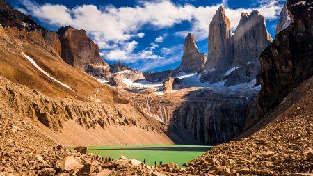 Blick auf den Gebirgszug Torres del Paine in Chile