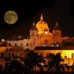 Vollmond über der Altstadt von Cartagena