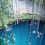 Cenote mit Lianen