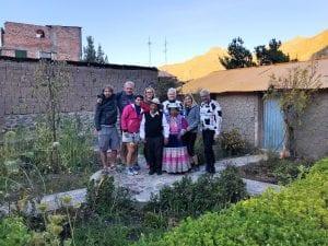 Radgruppe mit Einwohnern Peru