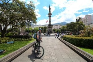 Ralf an der Plaza in Quito