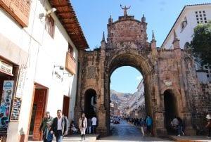 Blick durch den Santa Clara Bogen Cuzco