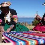 Traditionelle Herstellung von Tüchern, Puno, Titicacasee; Bild von Promperu